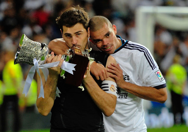 Casillas y Pepe supercopa 2012