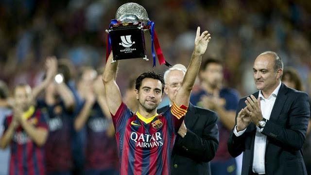Xavi levanta la Supercopa 2013