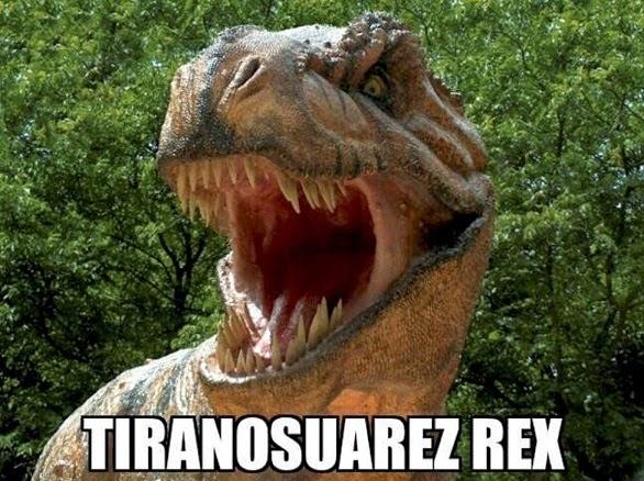 Meme tiranosuarez rex luis suarez muerde a chielinni uruguay italia