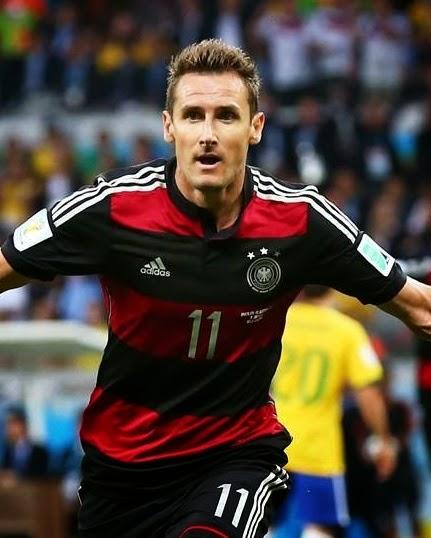 Klose festeja su gol ante brasil y se convierte en el máximo goleador de la historia de los mundiales