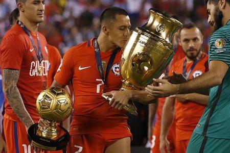 alexis sanchez balon oro copa america 2016