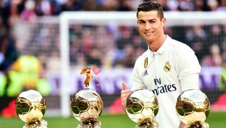Cristiano Ronaldo ofrece Balon Oro al Bernabeu 2017 cuarto golden ball